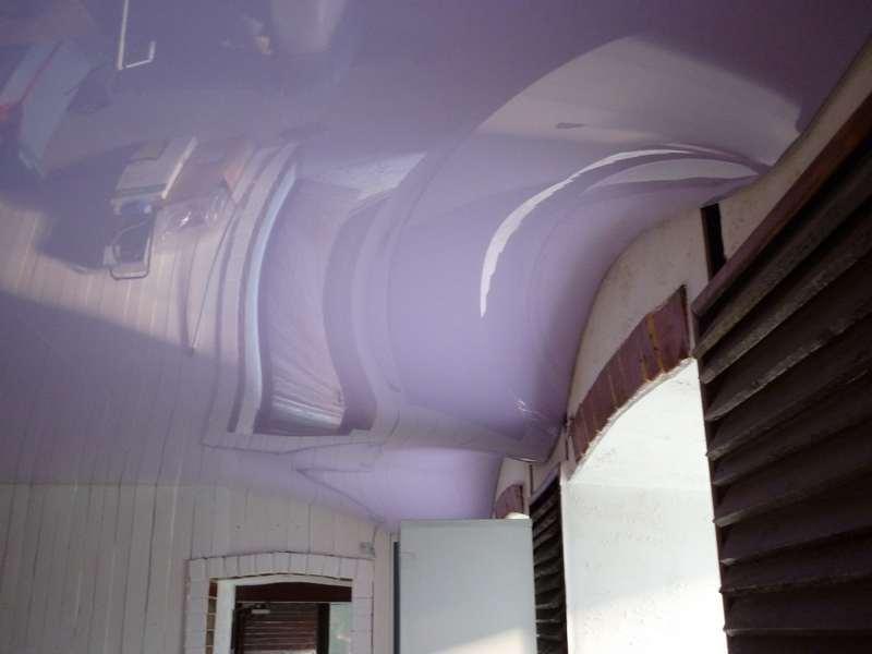 фото натяжной потолок волна